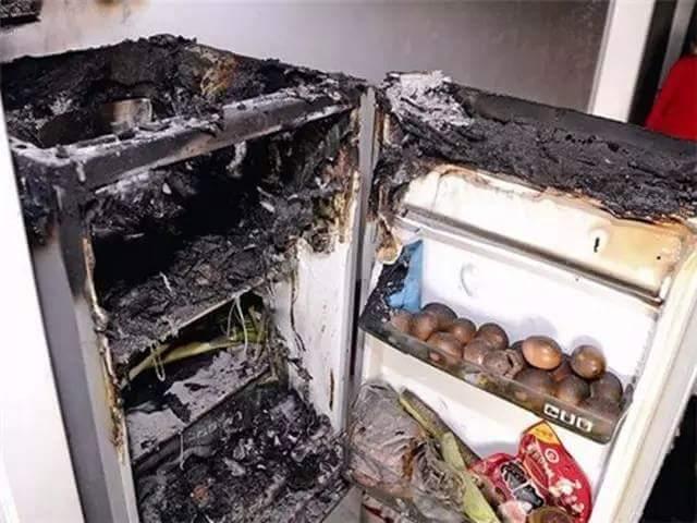 Phòng Tránh tủ lạnh cháy nổ trong nhà